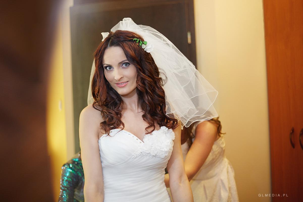 Przygotowania ślubne portret ślubny