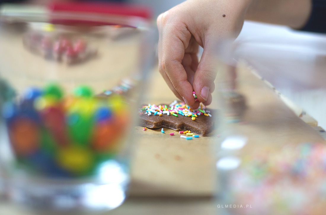 pieczenie ciasteczek sesja zdjęciowa