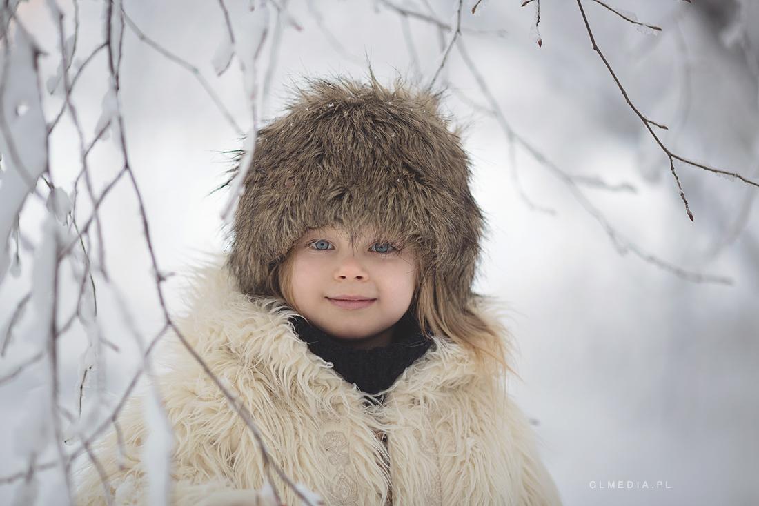 zimowy portret czapka