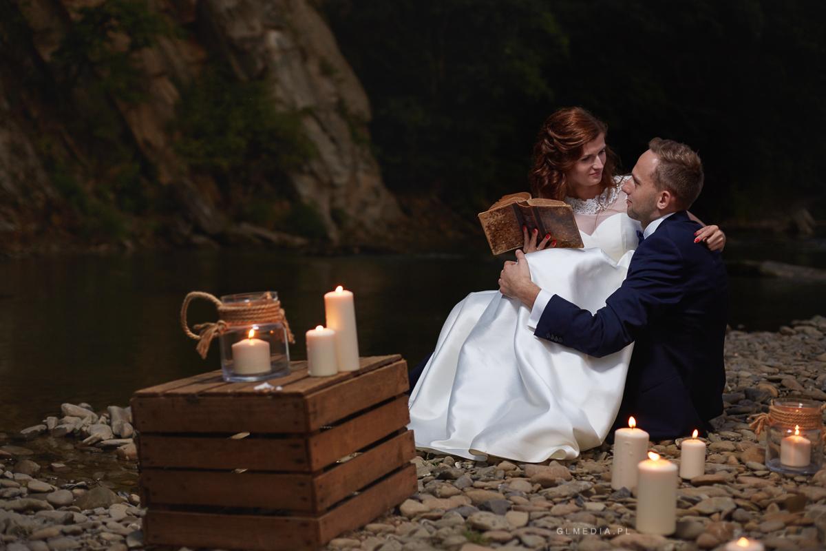 Plener ślubny w blasku świec